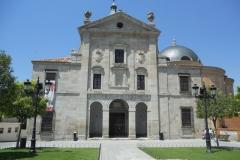 fachada-del-monasterio-de-la-inmaculada-concepcion-en-loeches
